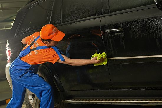 como-montar-un-negocio-de-lavado-en-seco-de-autos